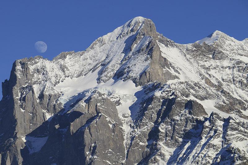 20140112 Lever de Lune et Wetterhorn